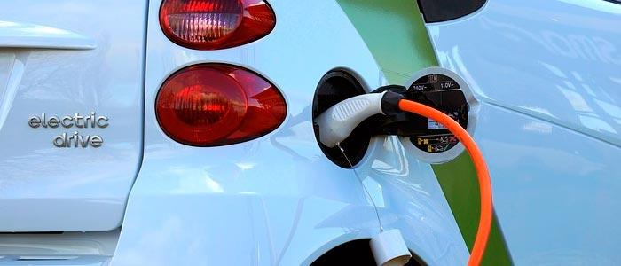 Mantenimiento técnico eléctrico en oviedo - coche eléctrico